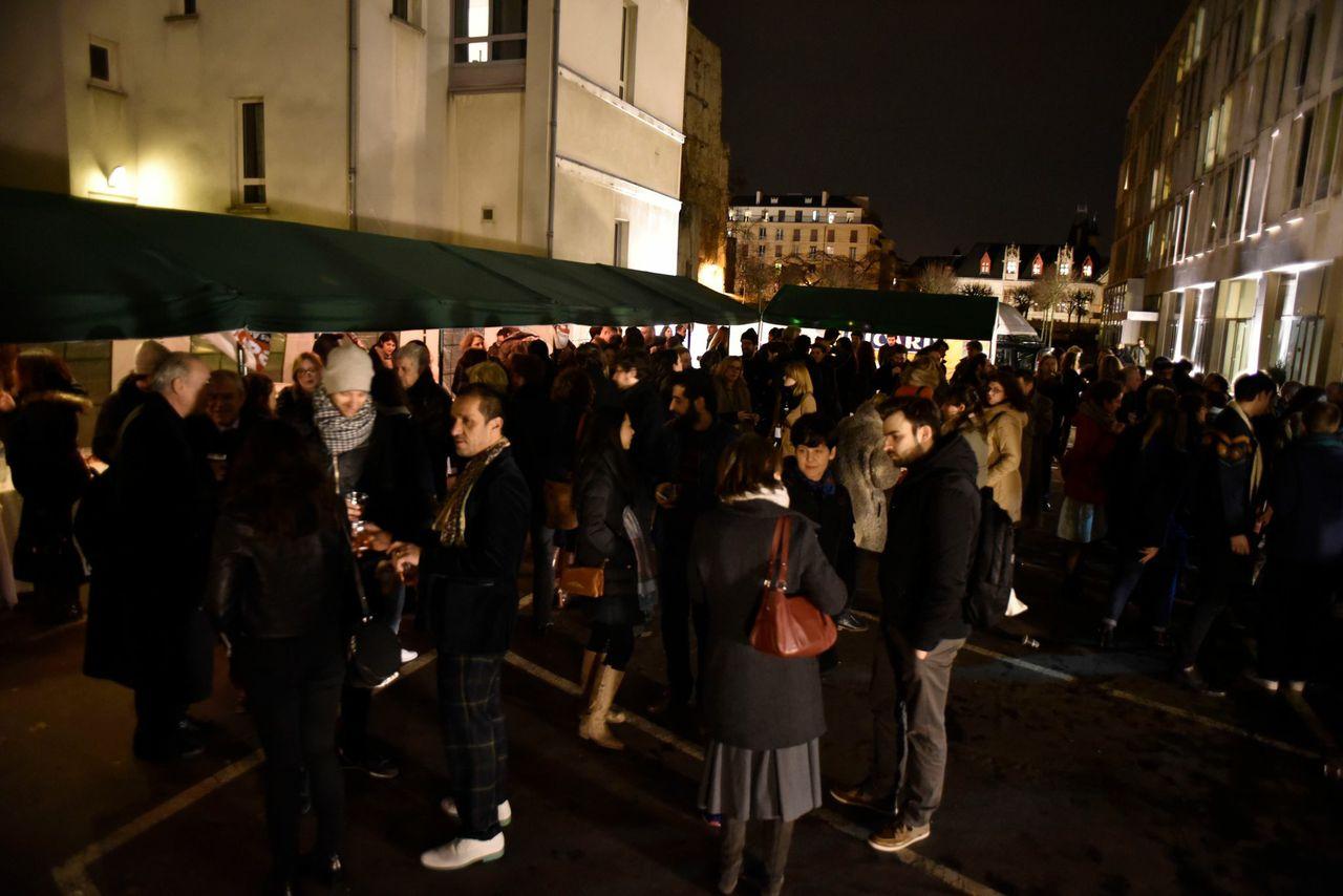 L'inaugurazione della Mostra Ailleurs. Les alliances françaises s'affichent, presso la Cité internationale et Jardin des Arts una raccolta di circa 100 manifesti commissionati dagli Istituti di Cultura Francese sparsi in tutto il mondo.