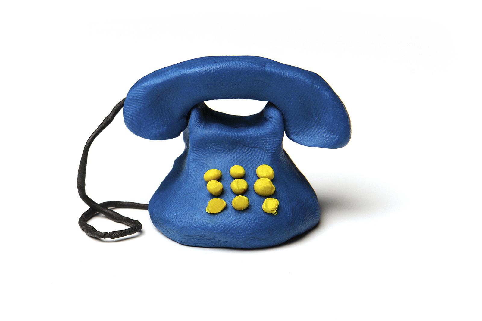 Telefono plastilina